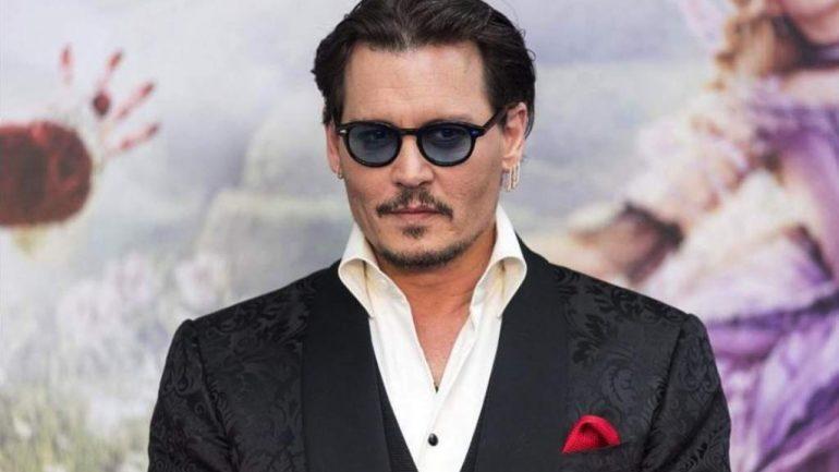 Johnny Depp - Größe - Gewicht - Körpermaße - Augenfarbe